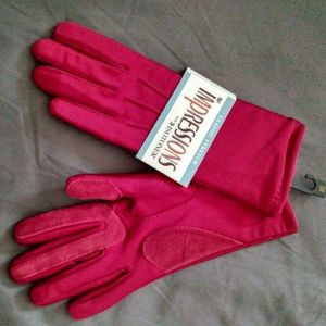 Isotoner Gloves w/ Suede Palm & Finger Strips